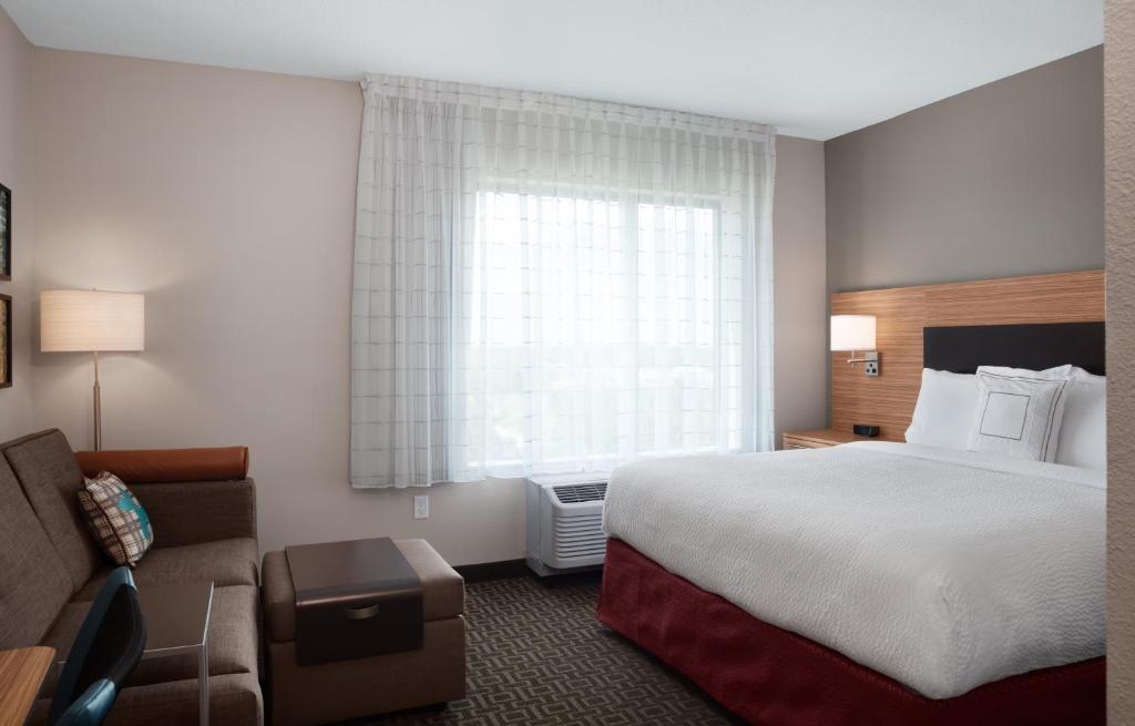 TownePlace Suites by Marriott Orlando Theme Parks/Lake Buena Vista 7