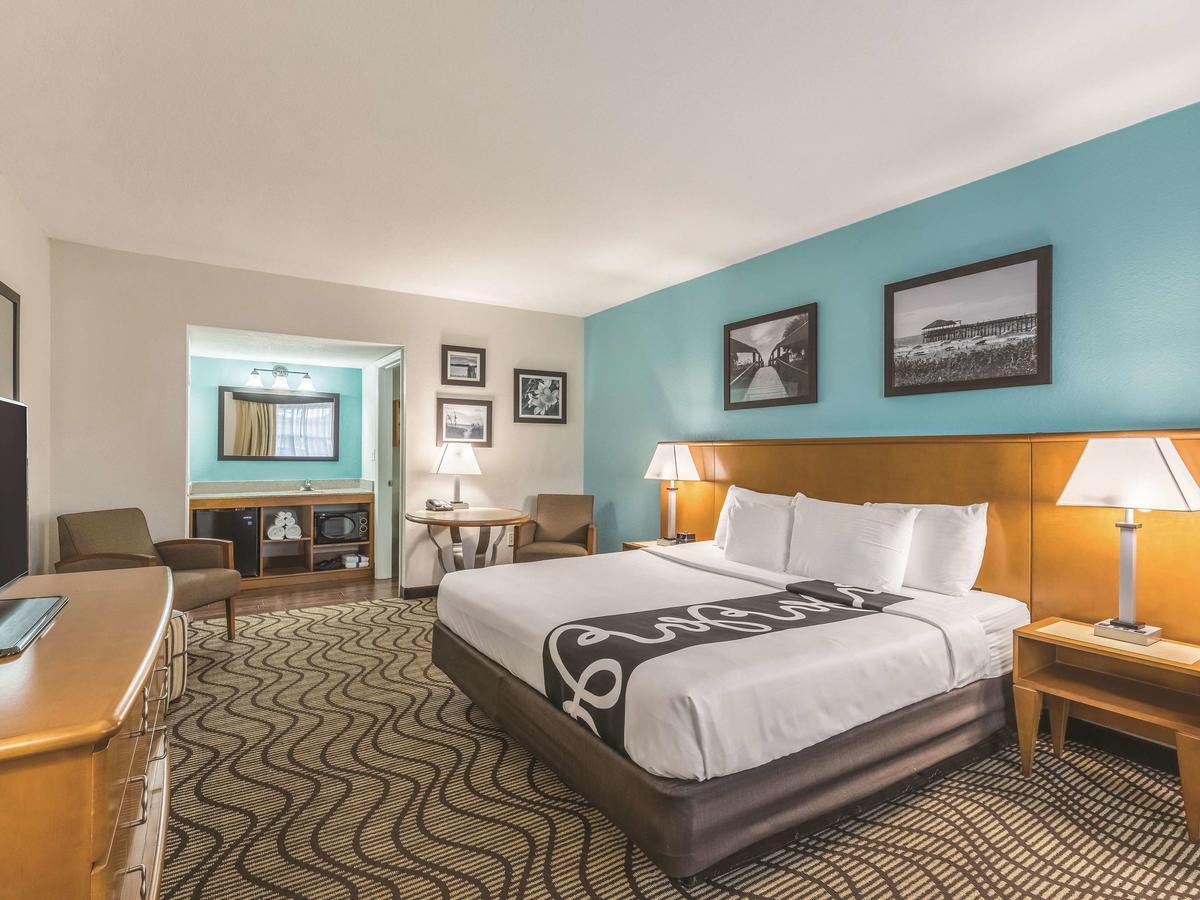 La Quinta Inn by Wyndham Cocoa Beach-Port Canaveral 2