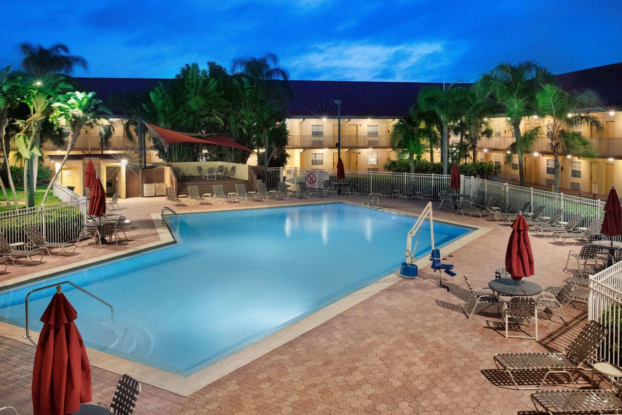 La Quinta Inn by Wyndham Cocoa Beach-Port Canaveral 7