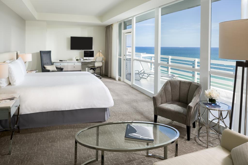 Fontainebleau Miami Beach 11