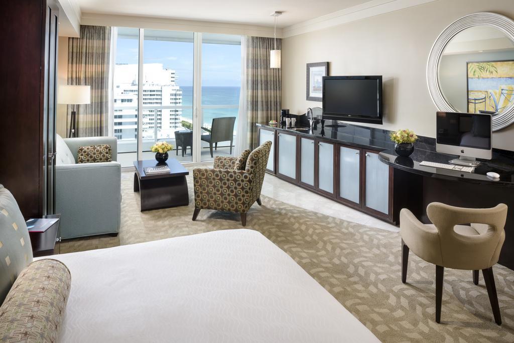 Fontainebleau Miami Beach 3