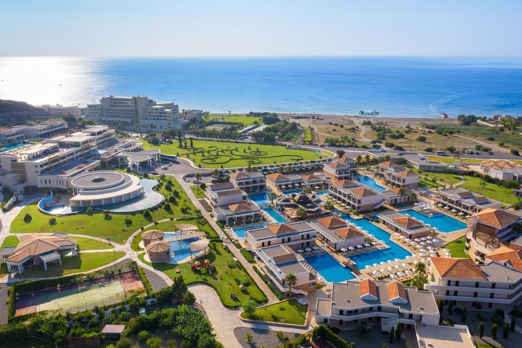 La Marquise Luxury Resort Complex 10