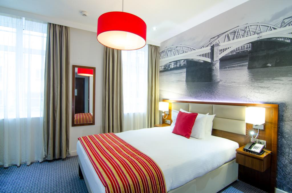 Best Western Plus Seraphine Hammersmith Hotel 8