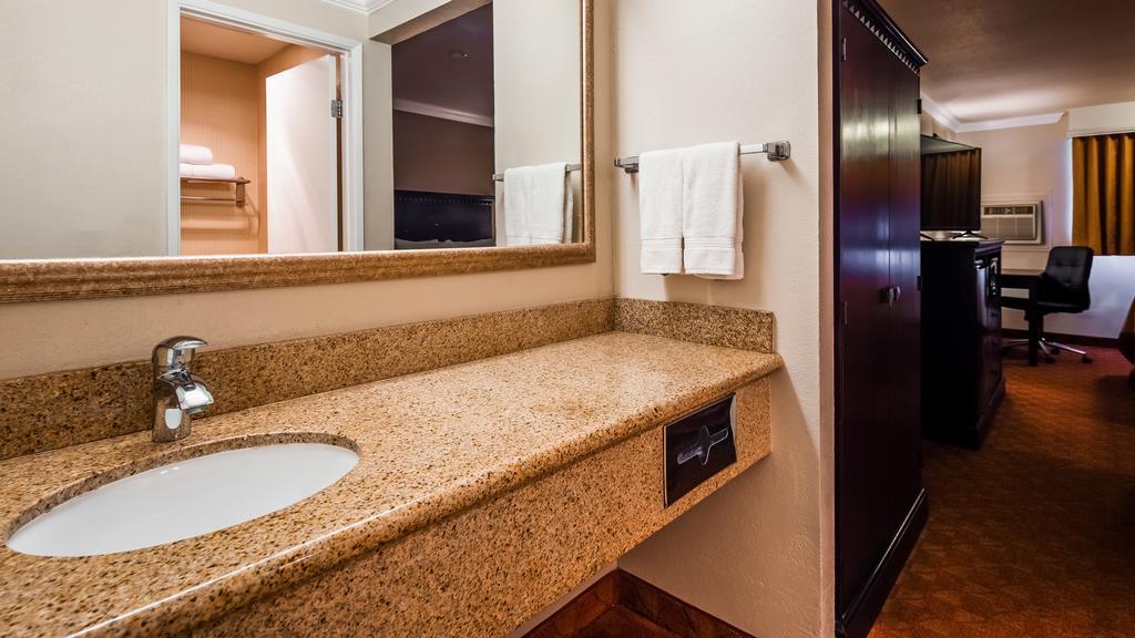 SureStay Plus Hotel by Best Western Lompoc 9