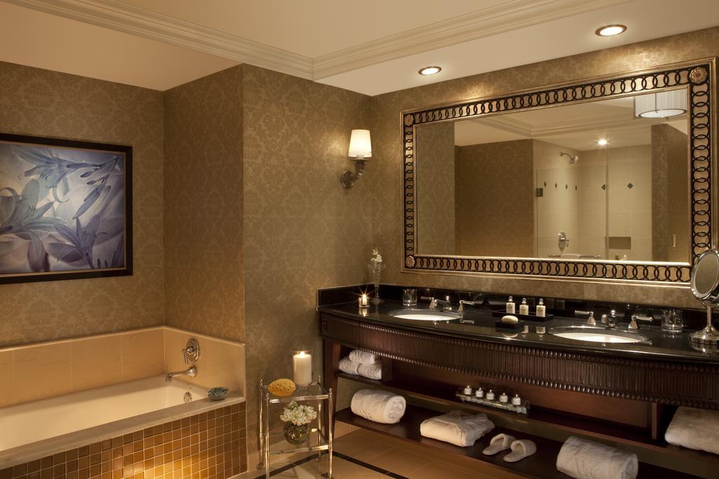 Waldorf Astoria Orlando 7