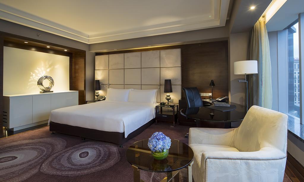 Hilton Shanghai Hongqiao 4