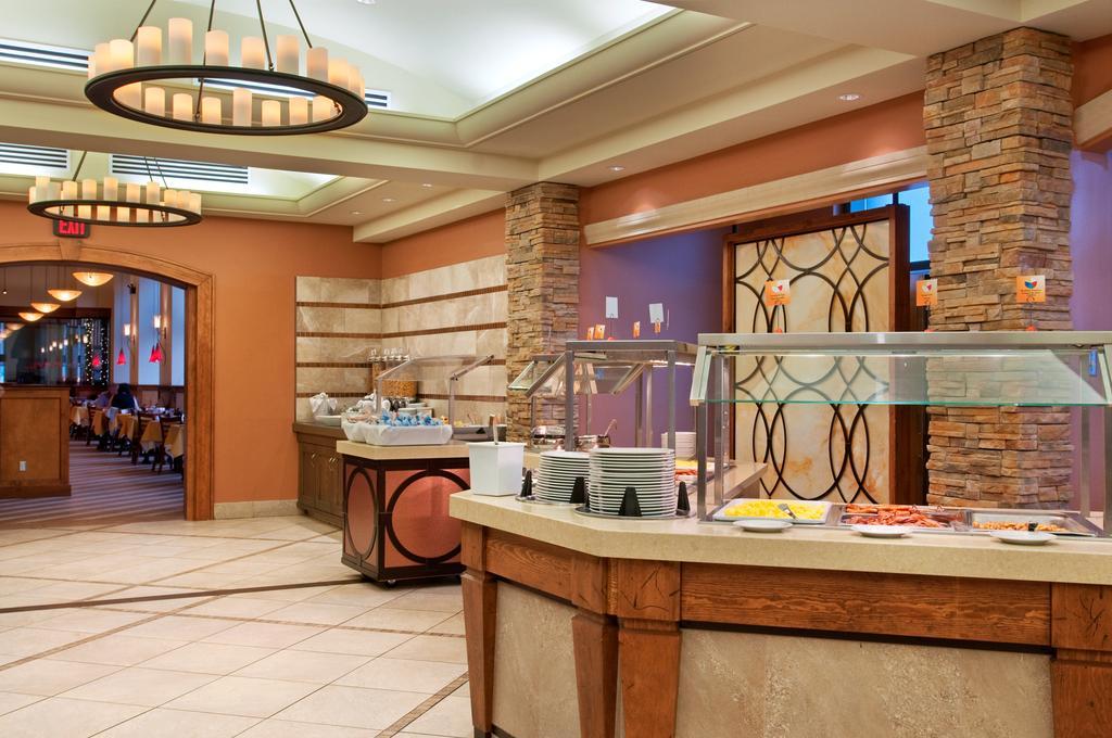Hilton Niagara Falls/Fallsview Hotel & Suites, Niagara Falls 2