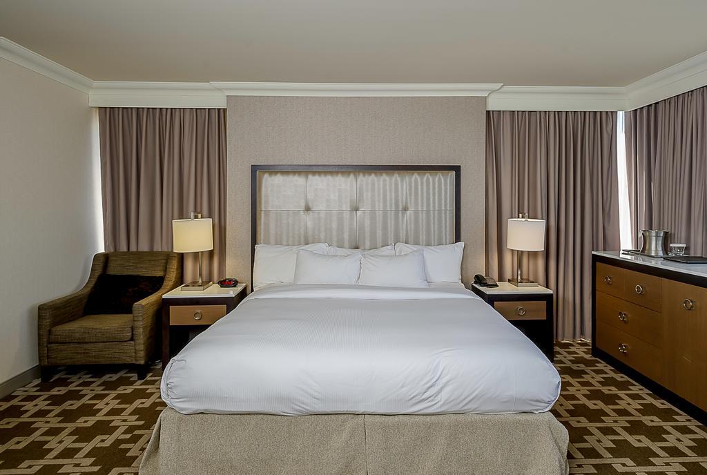 Hilton Niagara Falls/Fallsview Hotel & Suites, Niagara Falls 6